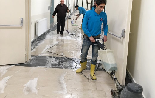 profesyonel-zemin-temizligi